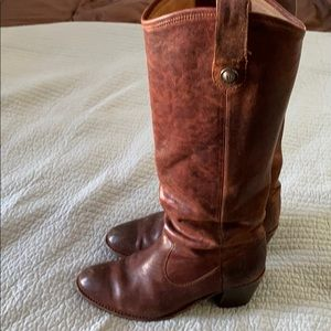 Frye Jackie Button brown heeled boots